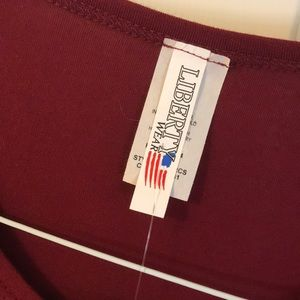 liberty wear Tops - western rhinestone cross shirt 🌹